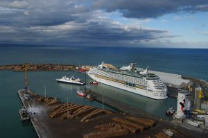 A cruise ship in Napier Port